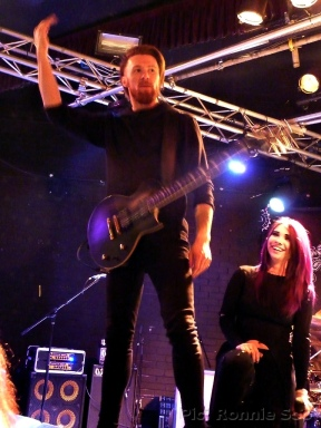 Guitarist Danny with Skarlett